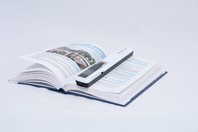 Scannen Sie Bücher & Zeitschriften OHNE PC!